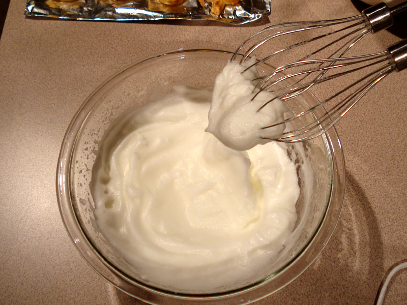 how to make whipped cream out of egg whites